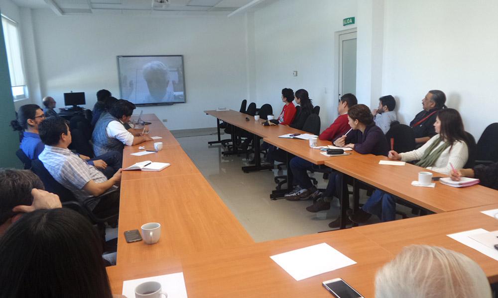 Seminario Internacional: Deliberación y participación: senderos electrónicos¨, Dr. José María Lavín.